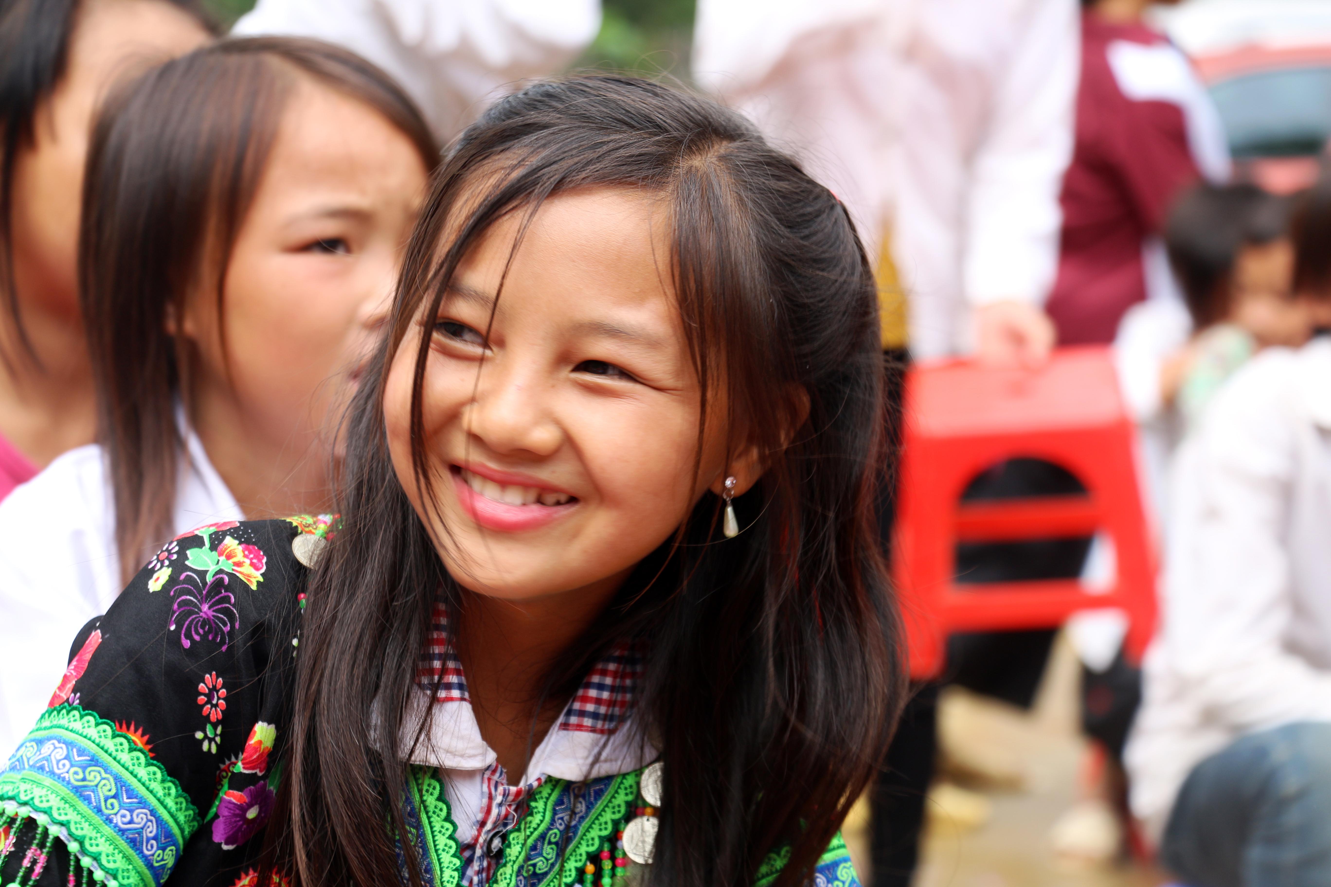 Ngay Khai Truong: Tặng Quà Cho Học Sinh Vùng Cao Nhân Dịp Năm Học Mới