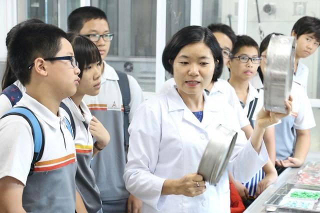 Học sinh trường Alpha tham quan, học tập tại nhà máy sản xuất thực phẩm chức năng IMC