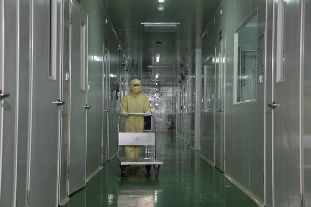 """Nhà máy Công nghệ cao IMC Quang Minh I – """"không ngủ"""" suốt năm 2017"""