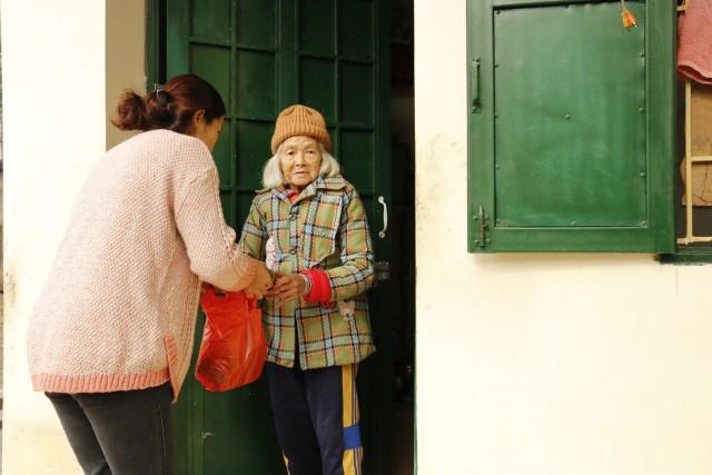 IMC tặng quà tết sớm tại Thụy An – Ba Vì