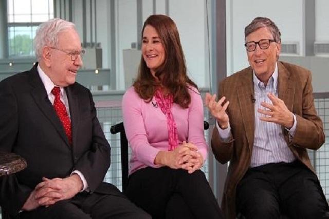 S'enrichir par milliards, pour ensuite les donner : Gates, Buffett parle de philanthropie