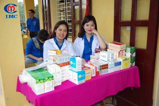 IMC  cùng Cục An toàn thực phẩm khám chữa bệnh miễn phí cho người nghèo