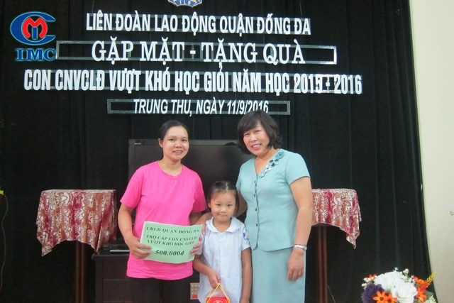 IMC – Gặp mặt, trao quà cho con CNVCLĐ Vượt khó học giỏi năm 2016