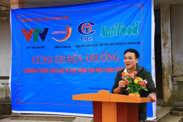 "IMC- ""Xuan den truong"" program for pupils in Mau Son secondary school,"