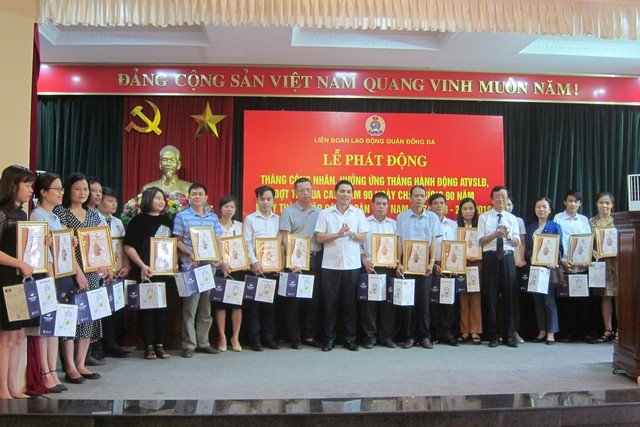 IMC – LĐLĐ Quận Đống Đa khen thưởng tập thể, cá nhân tiêu biểu 2019